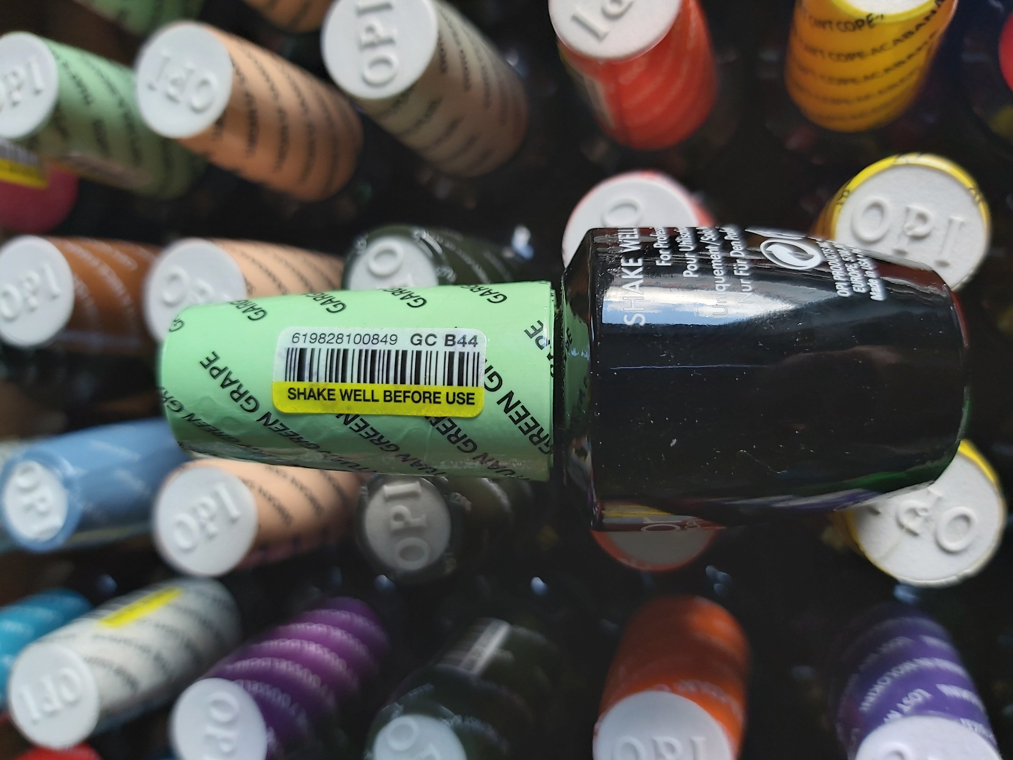 OPI Gel Color Soak-off Gel B44 GARGANTUAN GREEN GRAPE Grün